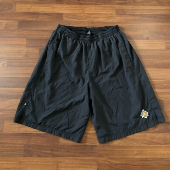 836235de1f1a1a Jordan Other - Vintage men s Jordan shorts size XXL